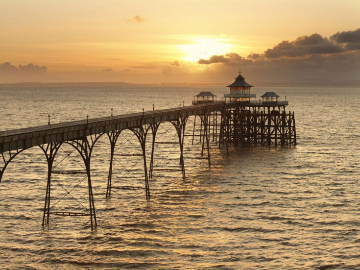 """""""The Pier Falls"""": a short story by Mark Haddon"""