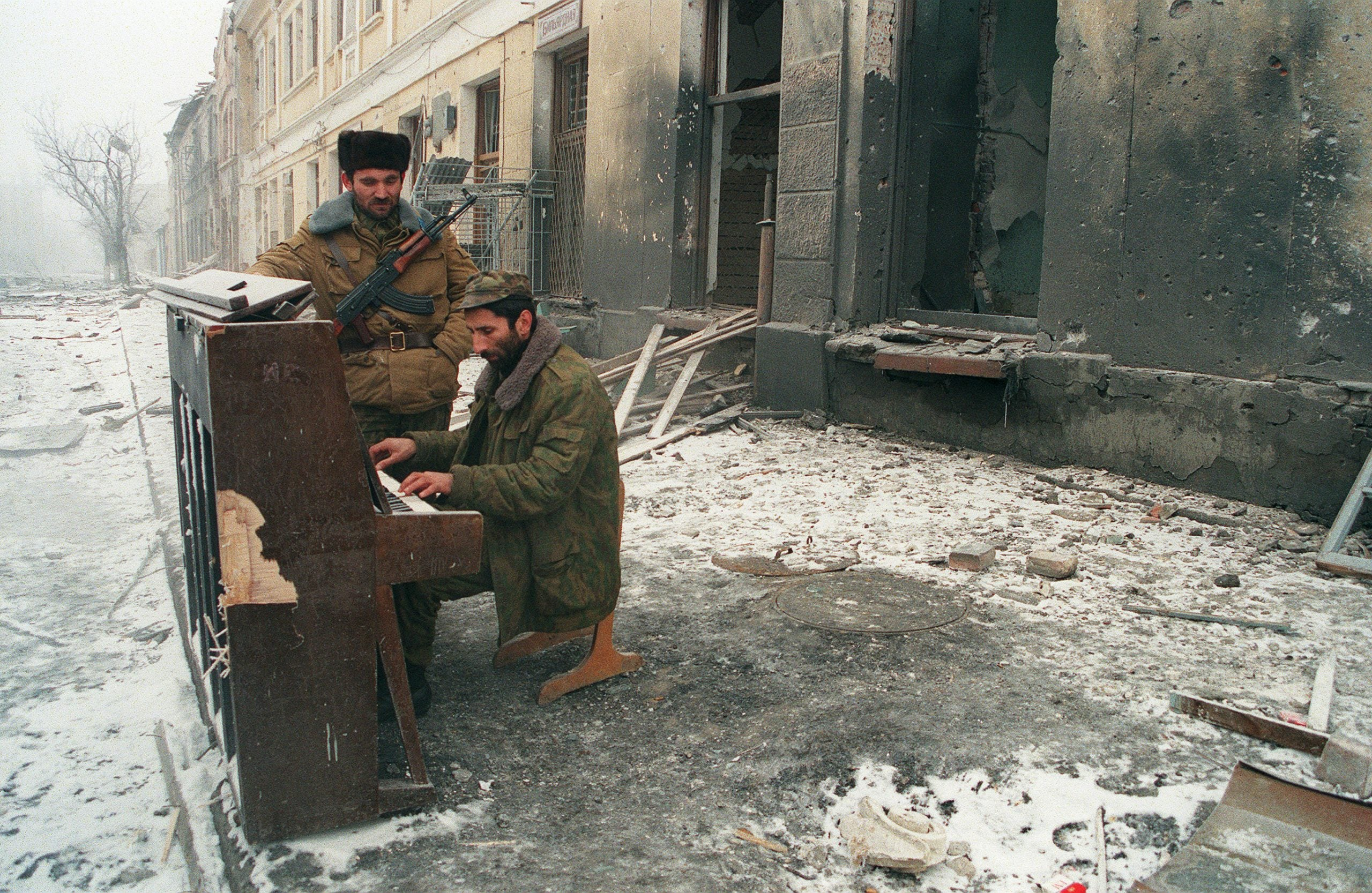 Sophy Roberts's The Lost Pianos of Siberia: a quest in search of music and history