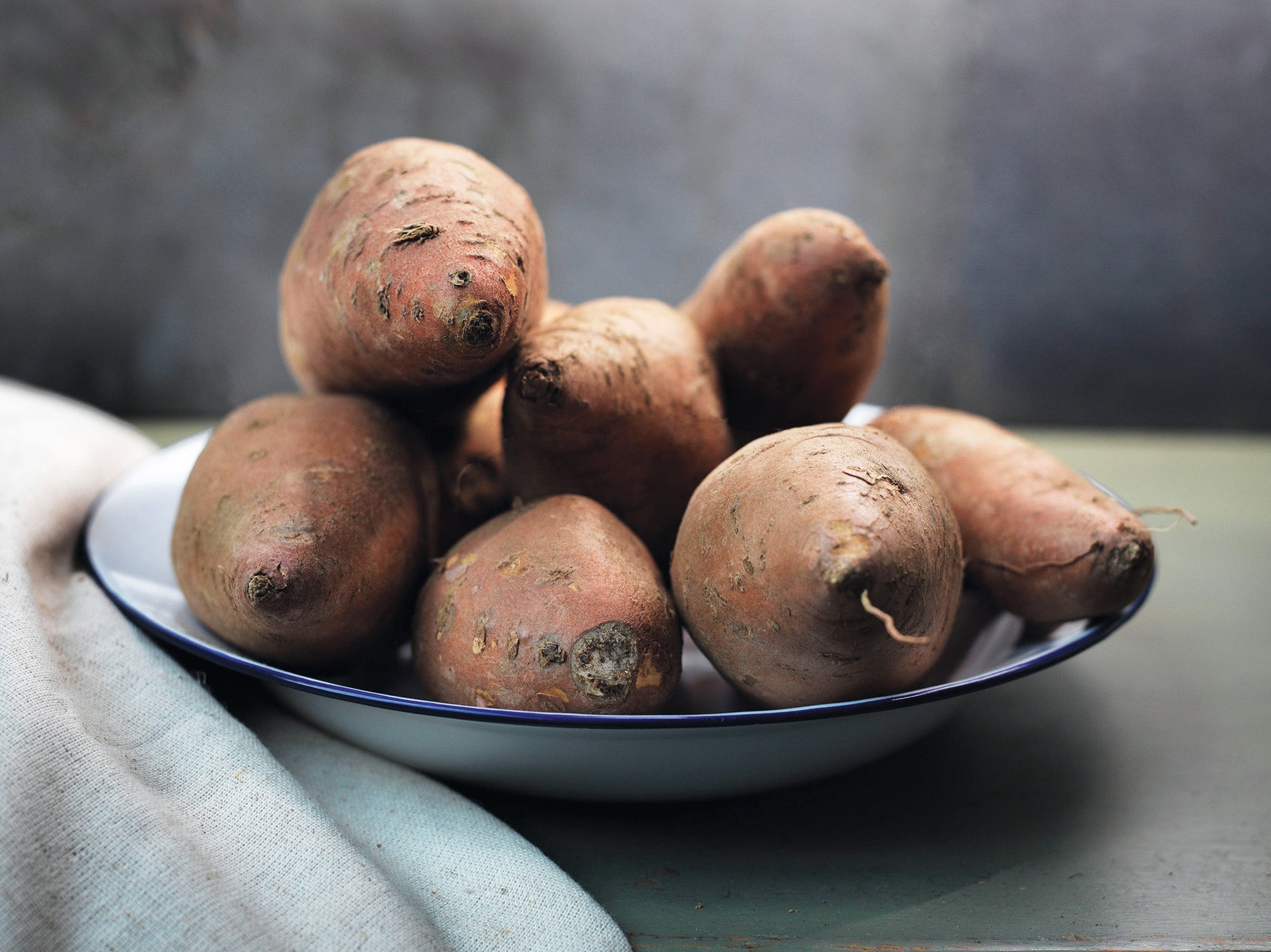 How to grow early variety potatoes that will provide a crop until Christmas