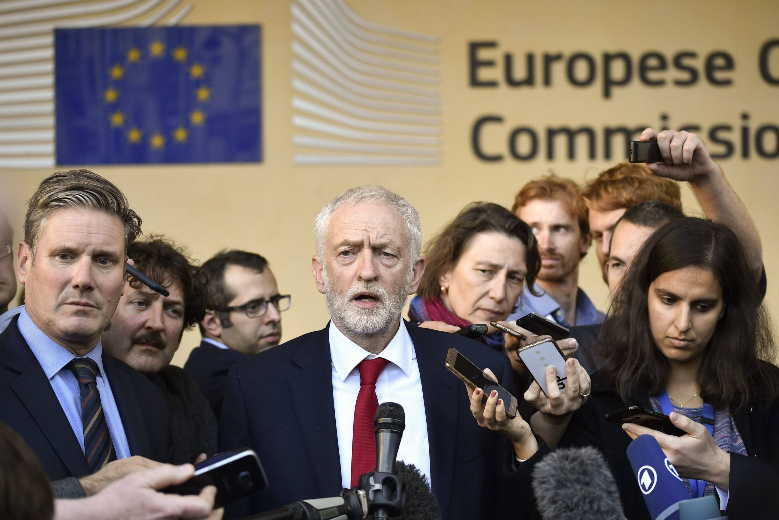 What do the polls suggest the best Brexit strategy for Labour would be?