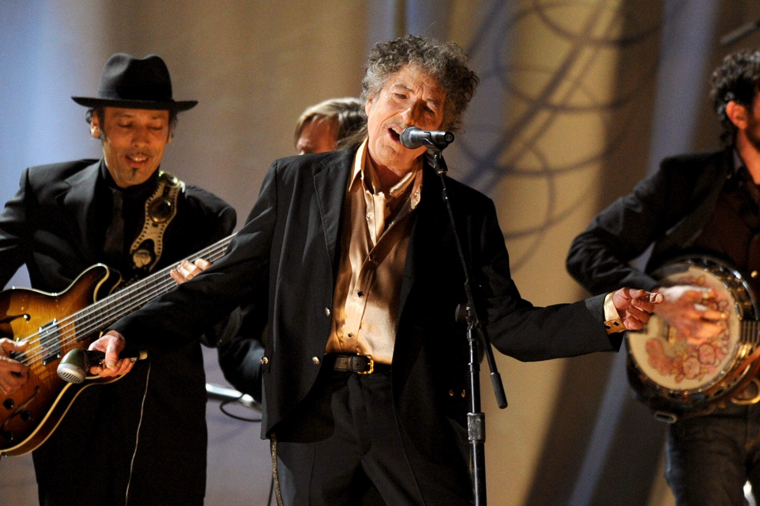 Watching Bob Dylan on stage made me yearn for the gigs of my youth