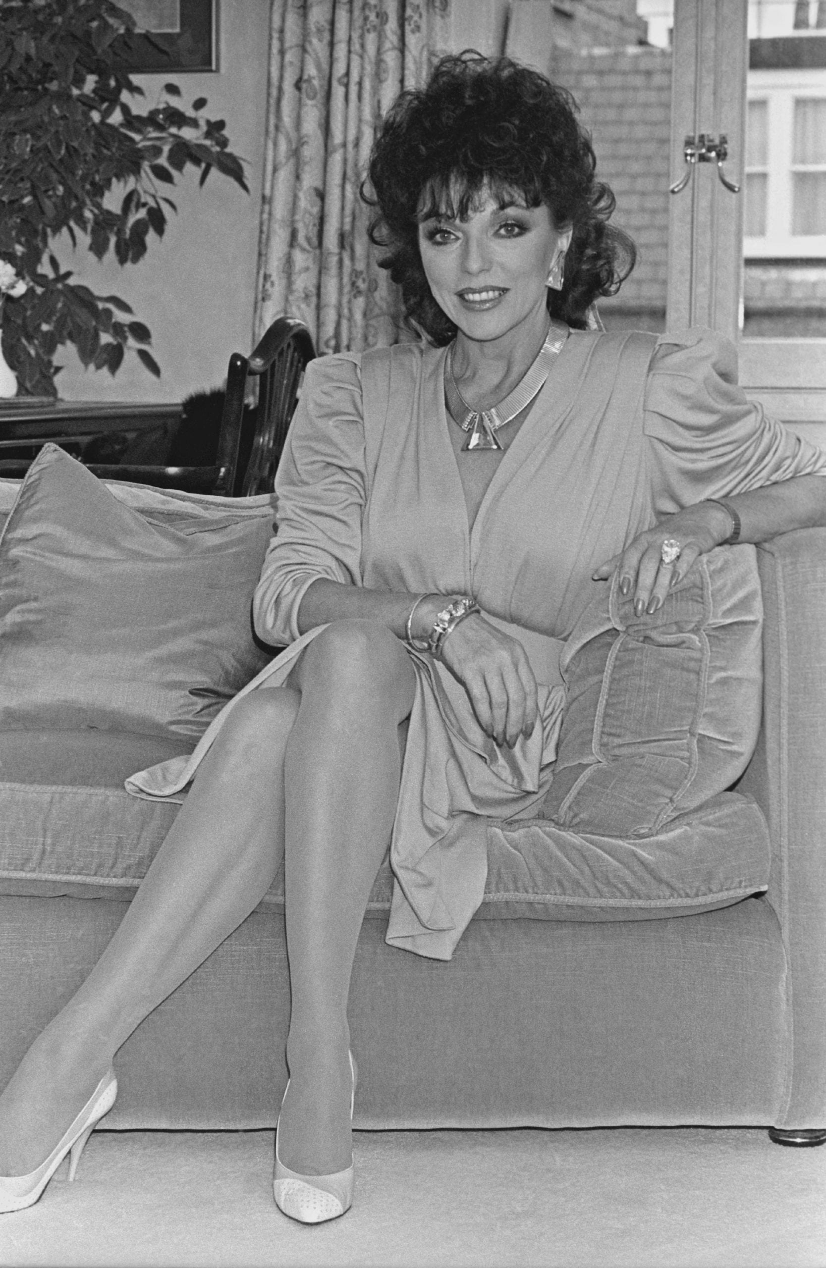 """Joan Collins shot me an anxious look and demanded: """"Tell me what to say"""""""