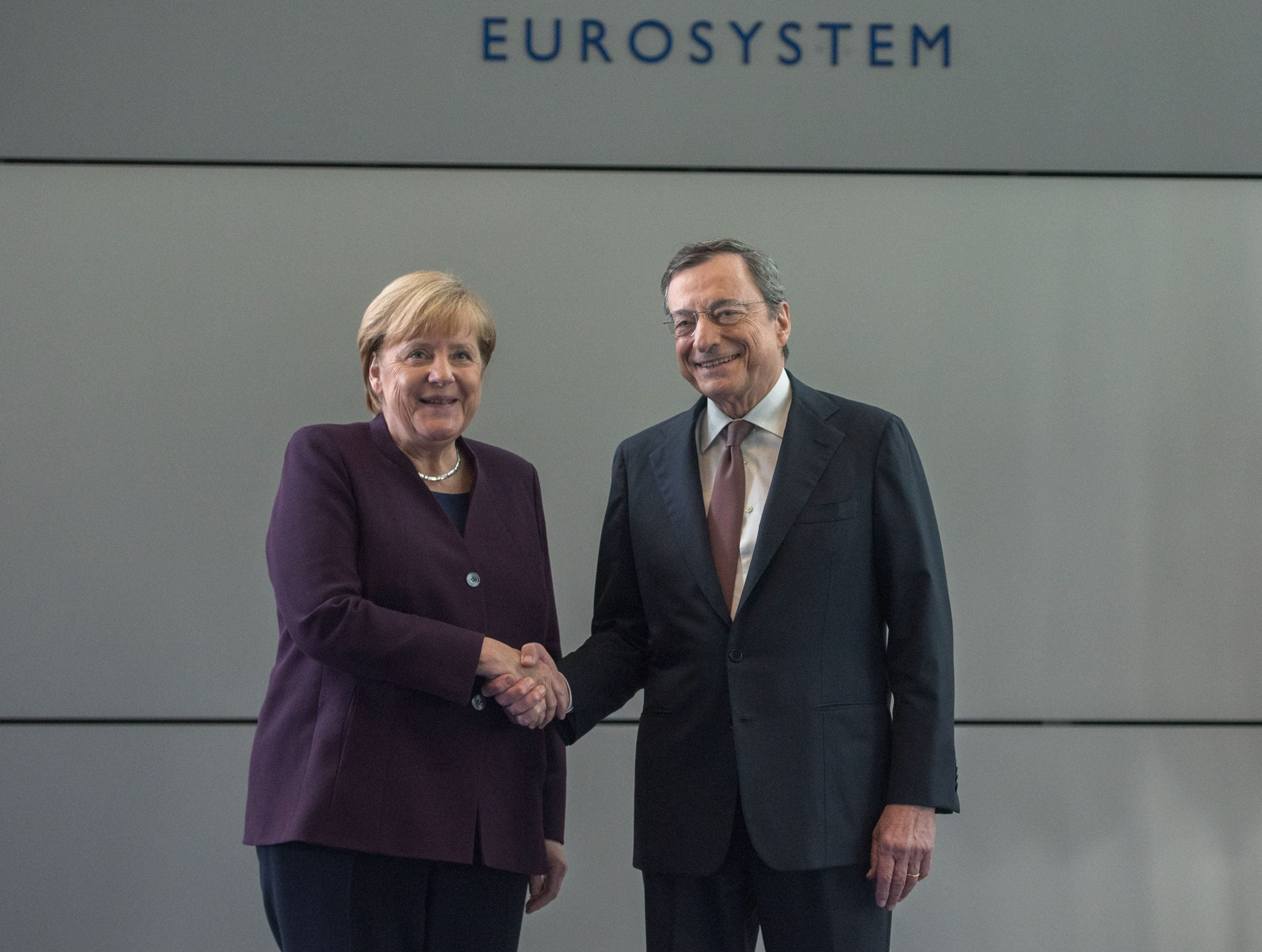 """Mario Draghi, """"ungovernable"""" Italy and the EU"""