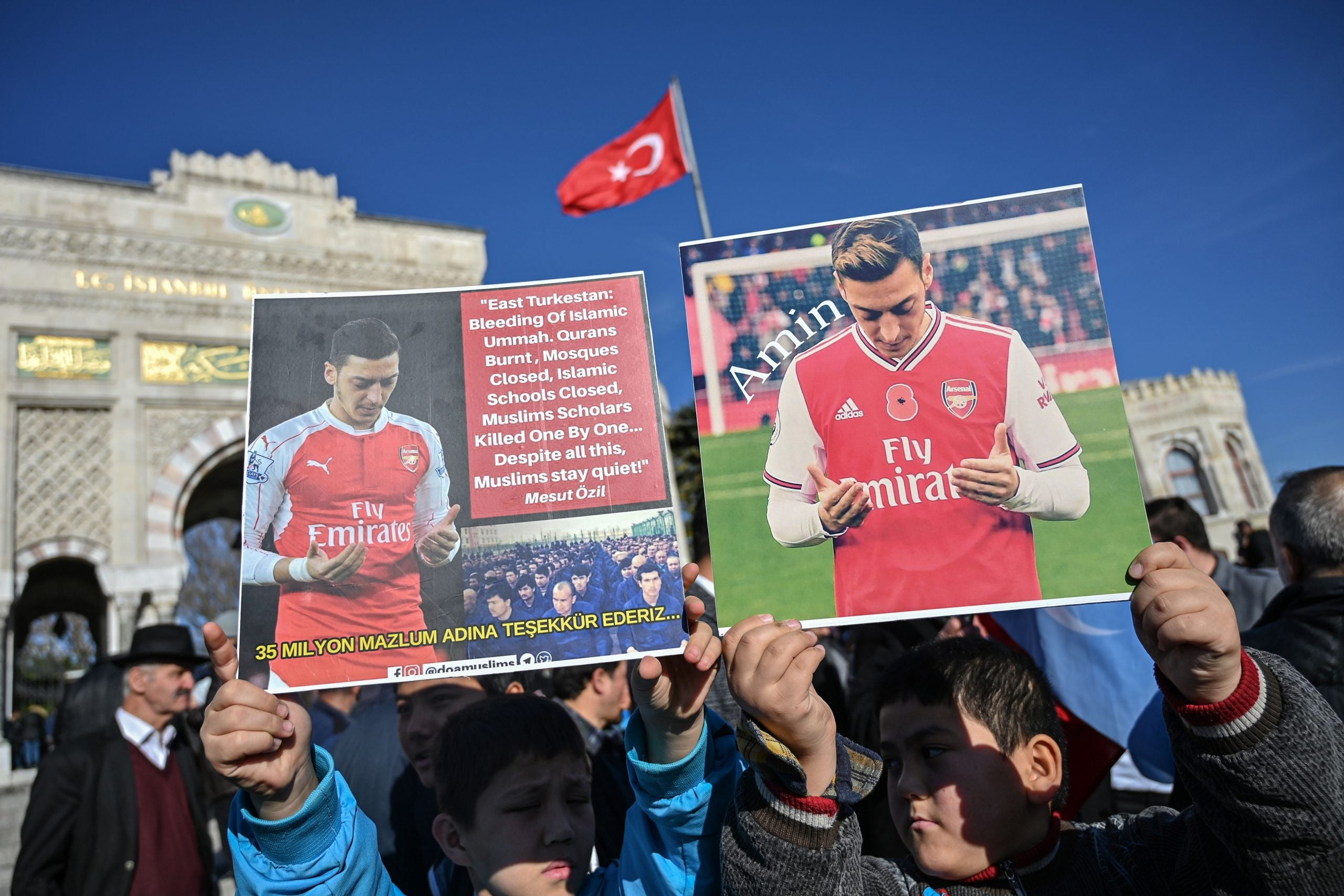 """Arsenal's reaction to Mesut Özil exposes the old lie that """"sport and politics don't mix"""""""