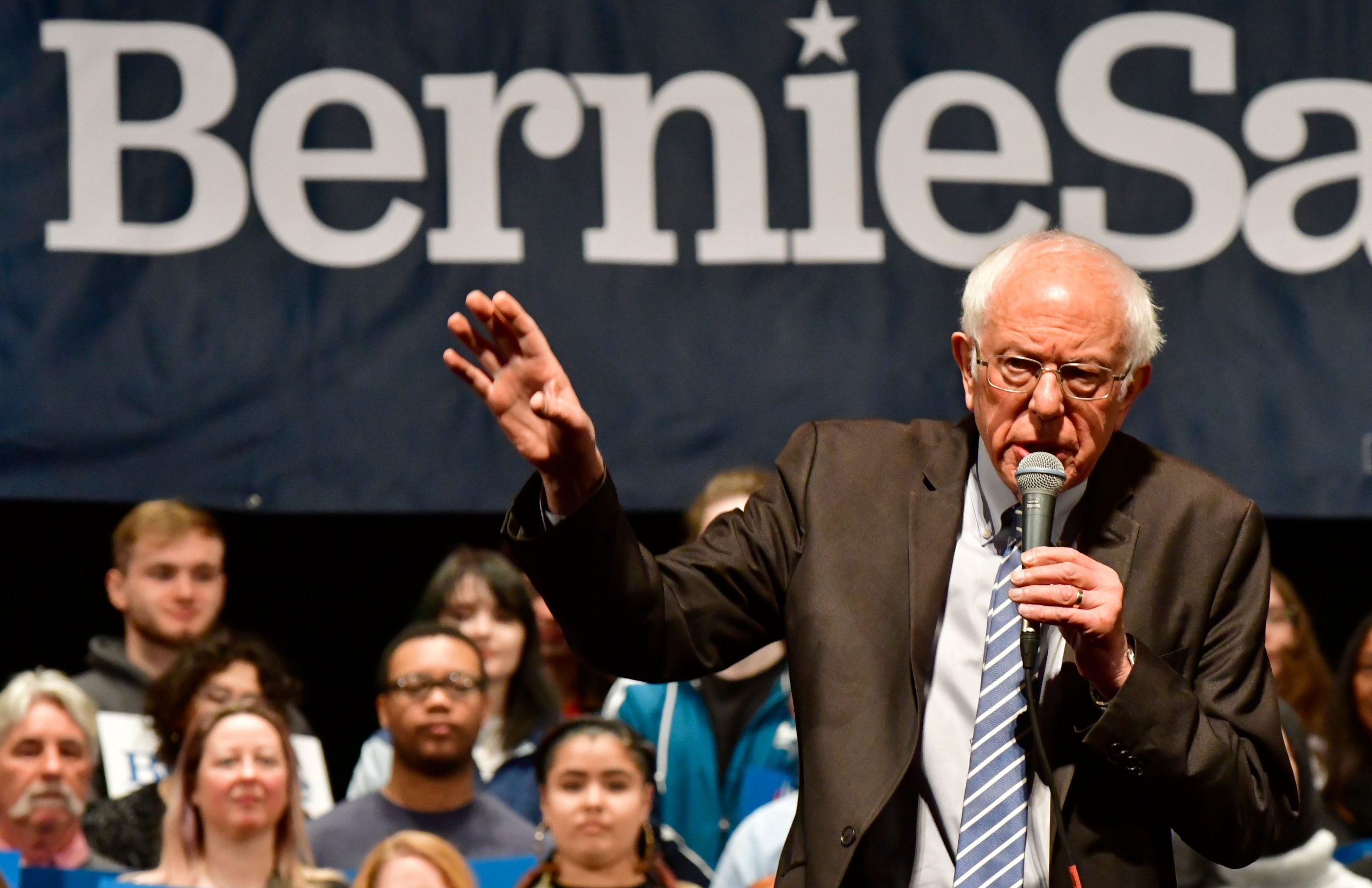 As Bernie Sanders discovered, playing the underdog is easy – it's becoming the overdog that is hard