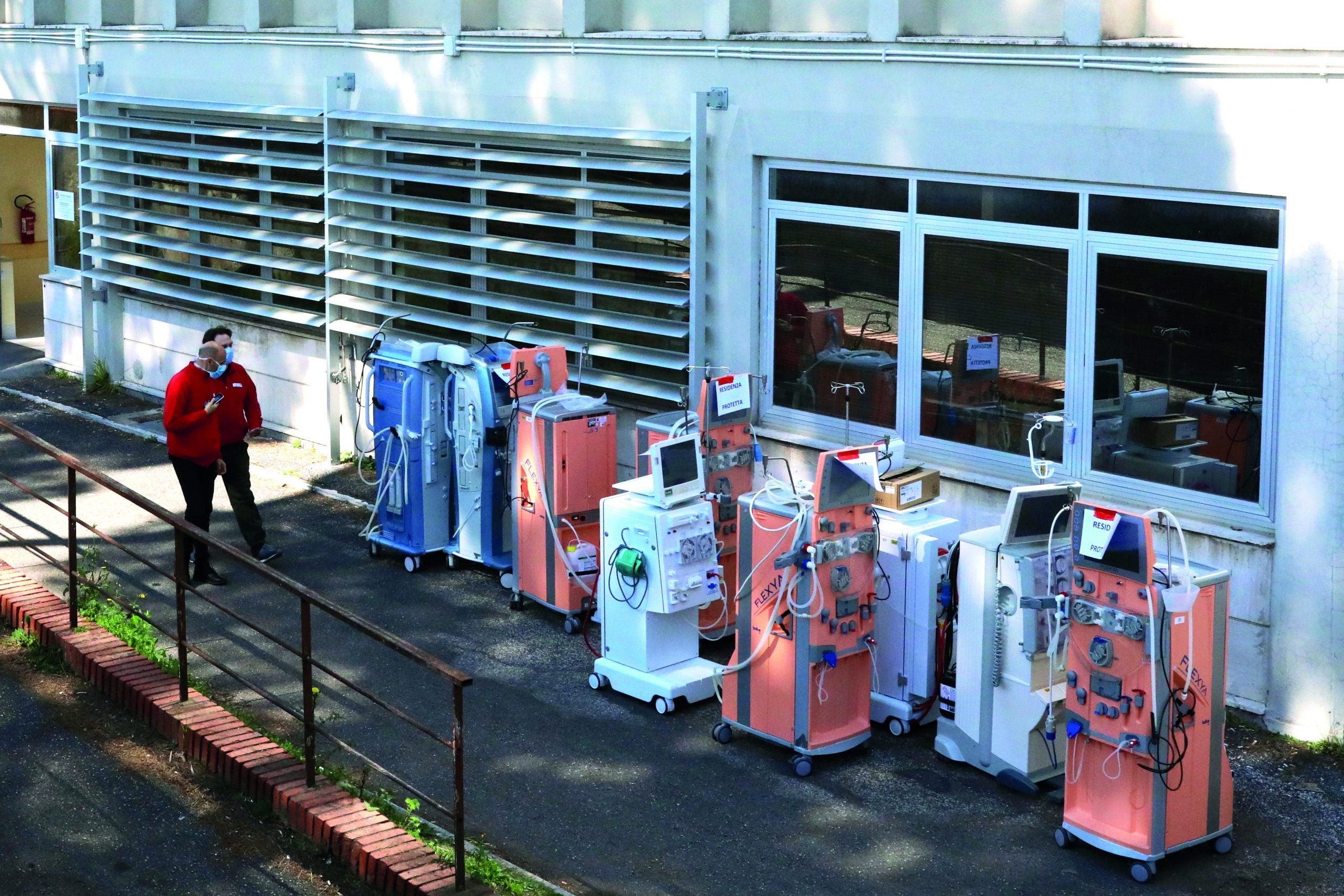 How to manufacture ventilators for a system in crisis