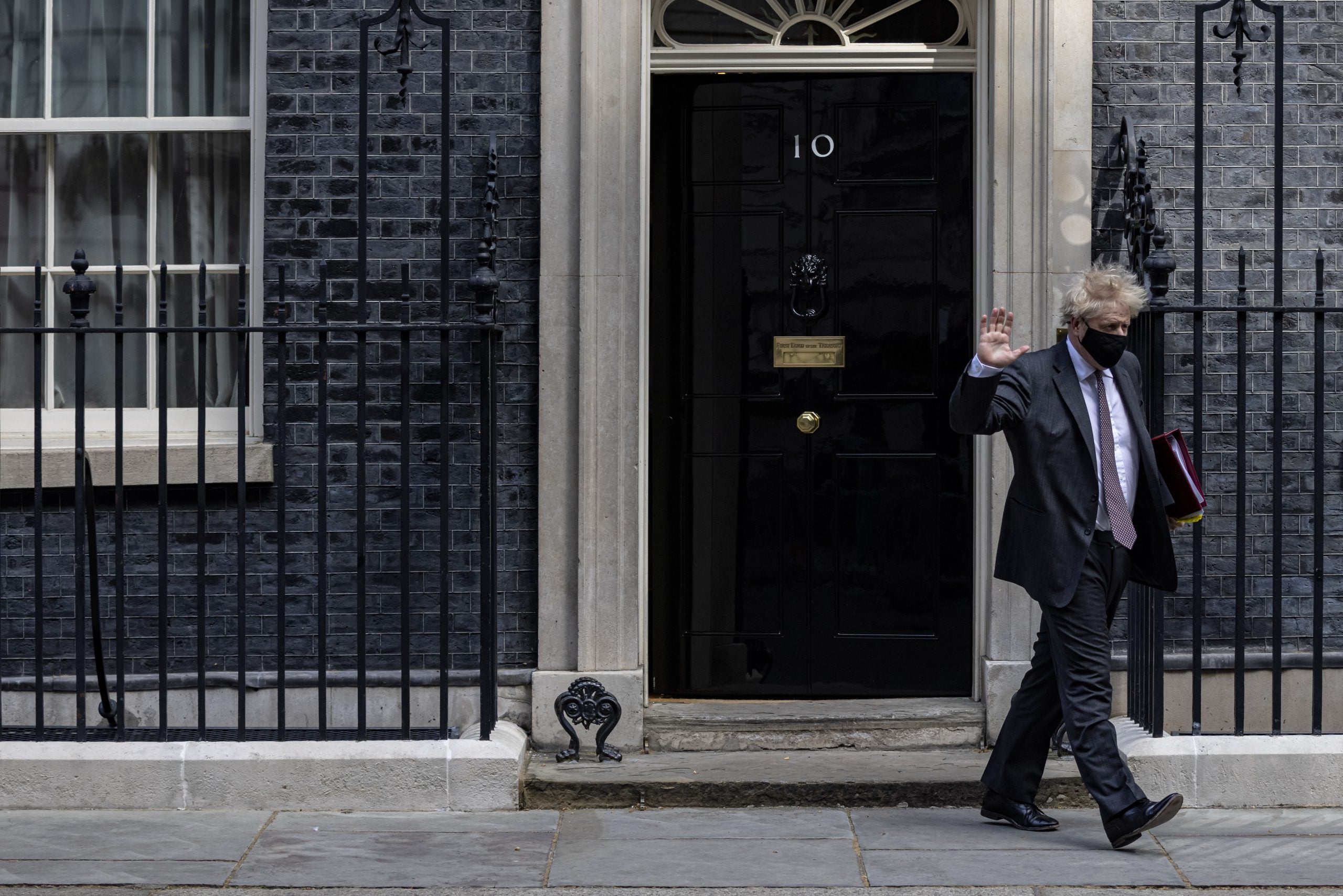 How does Boris Johnson's living situation compare to those of other world leaders?