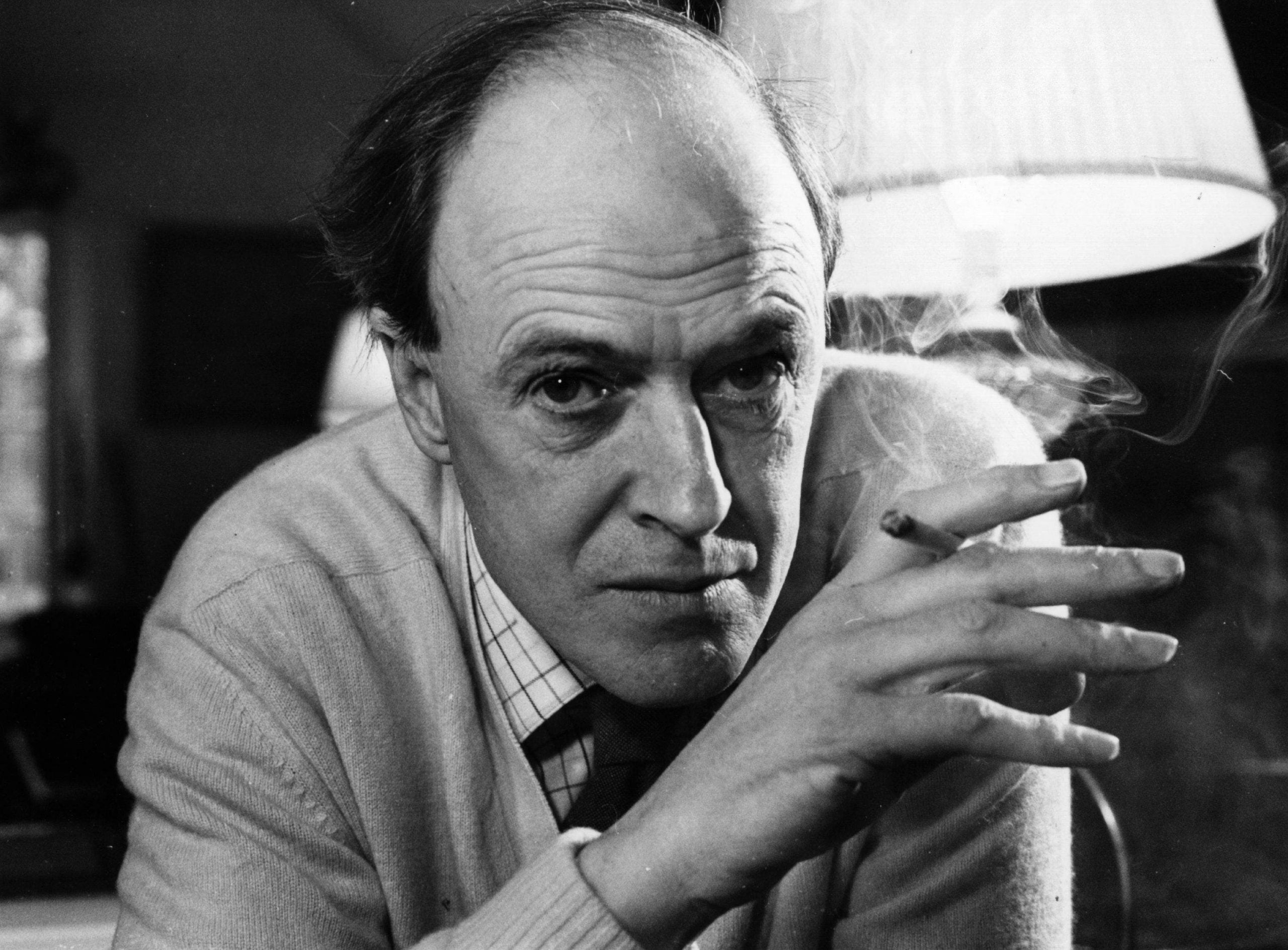 Chocolate flakes and paperweights: the mesmerizing voice of Roald Dahl