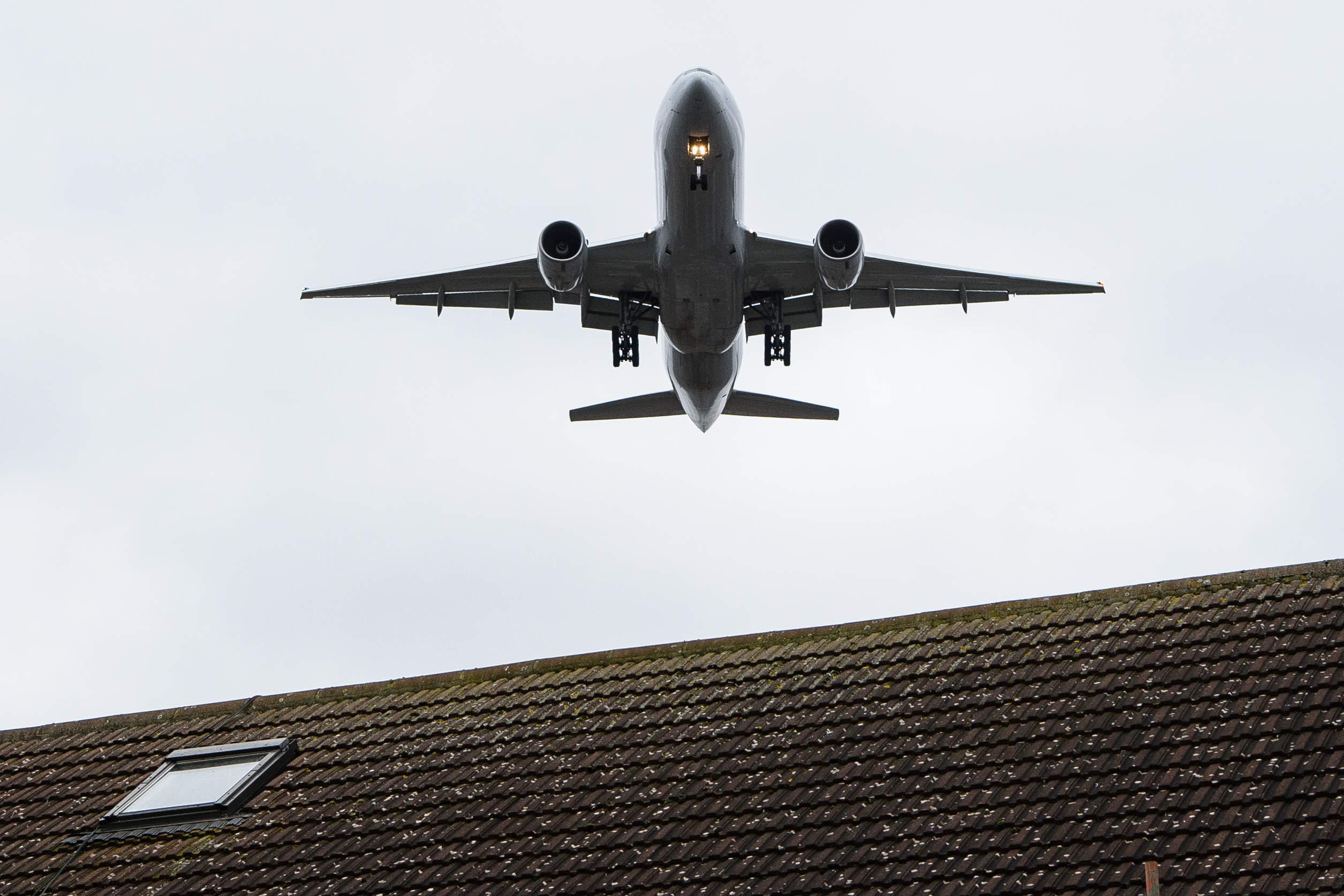 The Prime Minister must make his mind up on airports