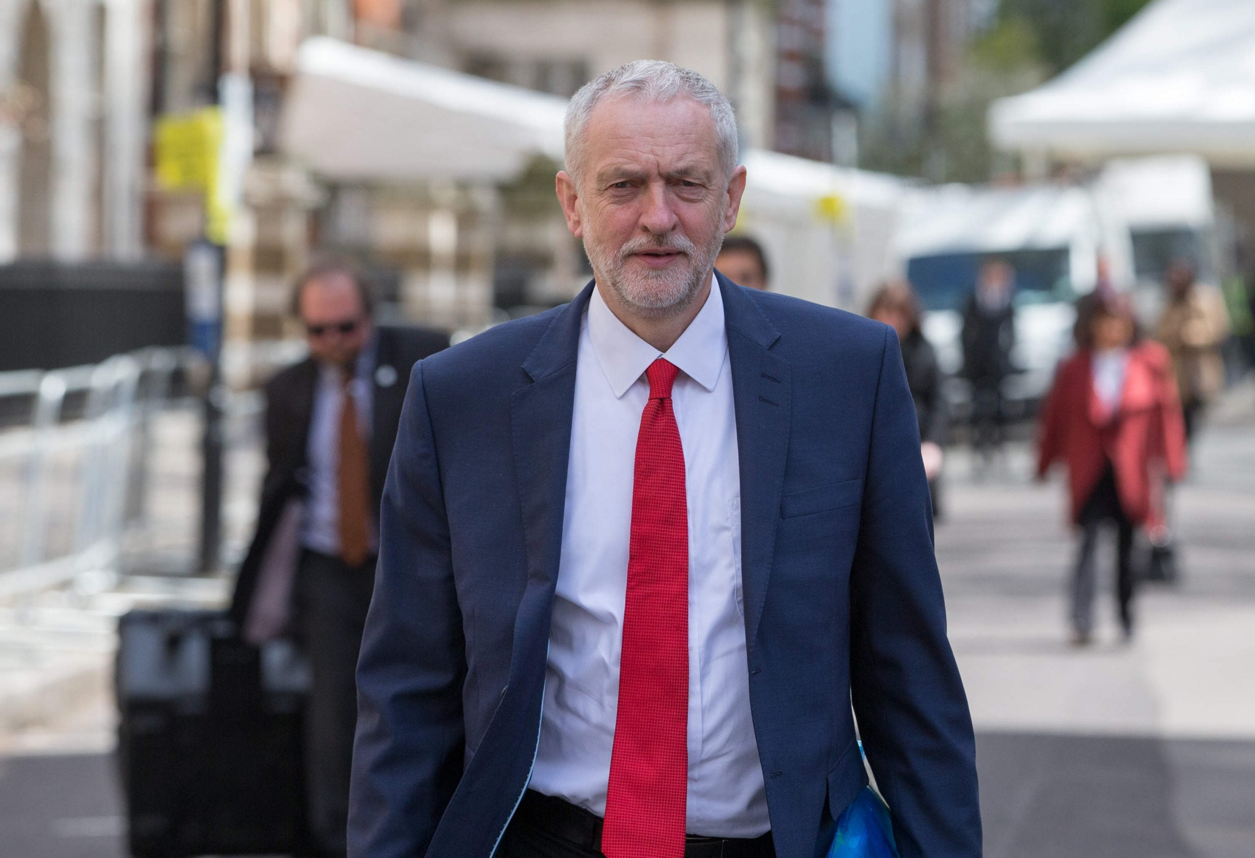 The government is struggling, but Nuneaton has not warmed to Jeremy Corbyn's Labour