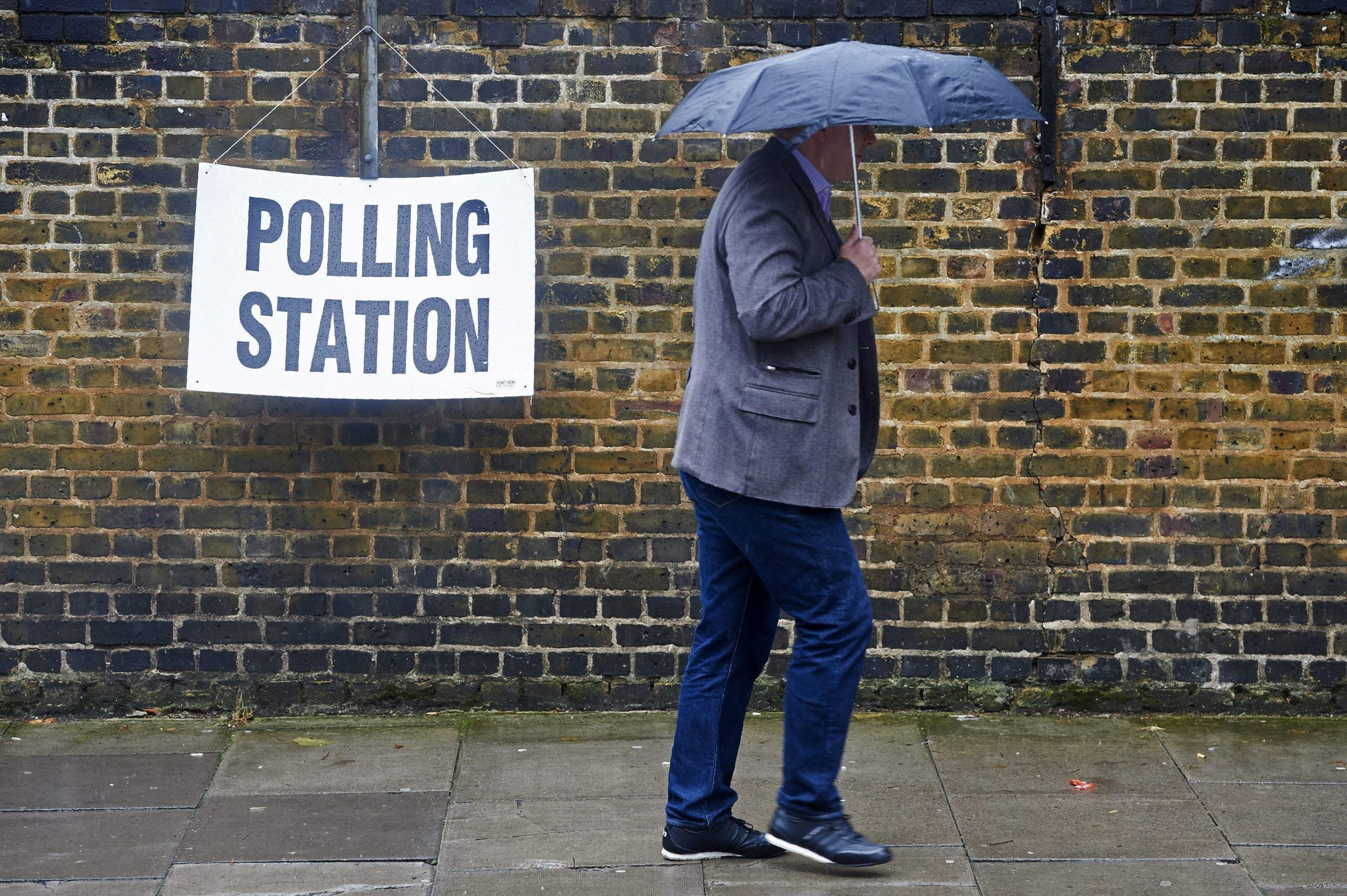 A political storm: bad weather delays transport and closes polling stations