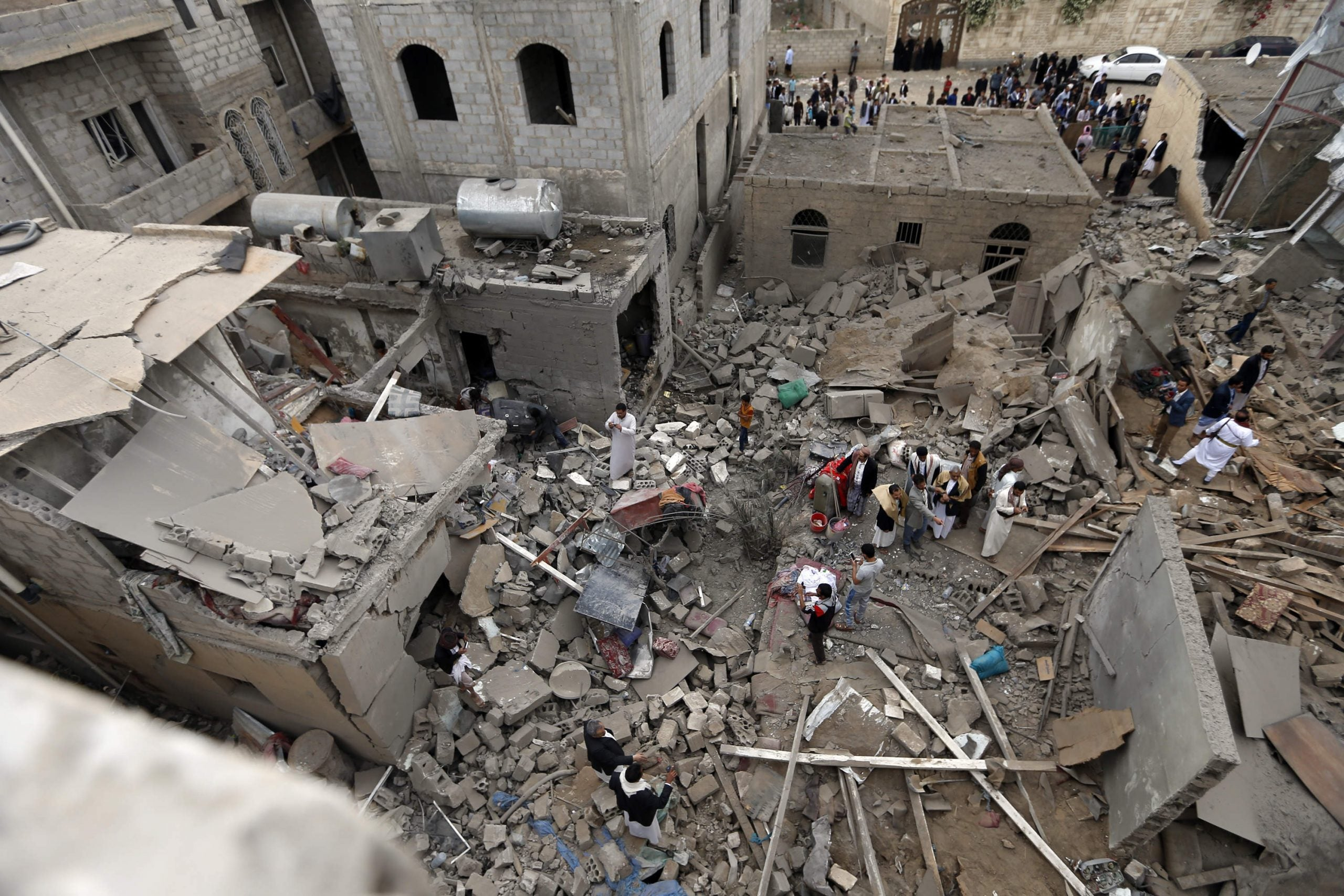 How did the High Court decide that weapon sales to Saudi Arabia are lawful?