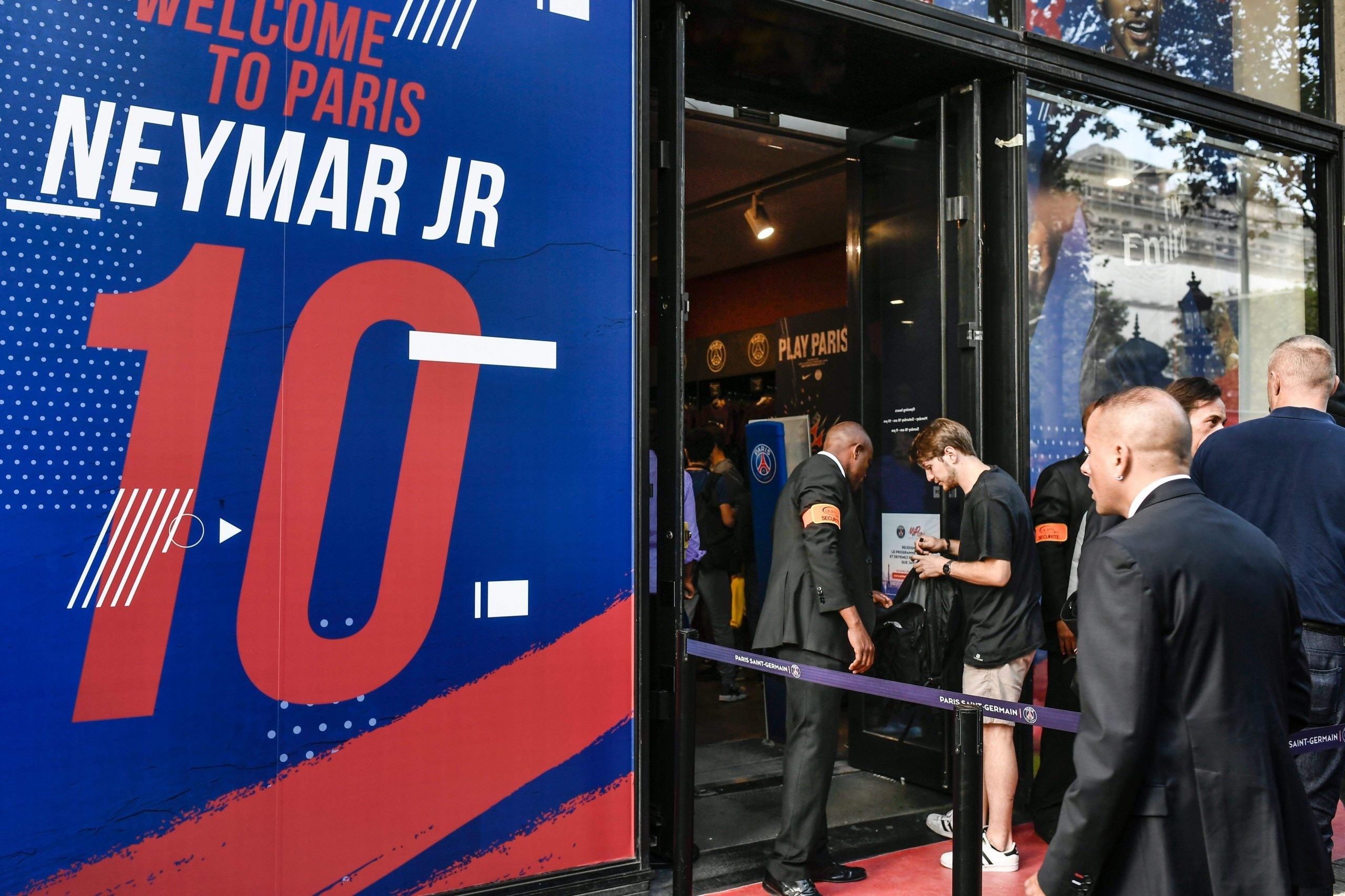 The cunning politicisation of Neymar's move to PSG