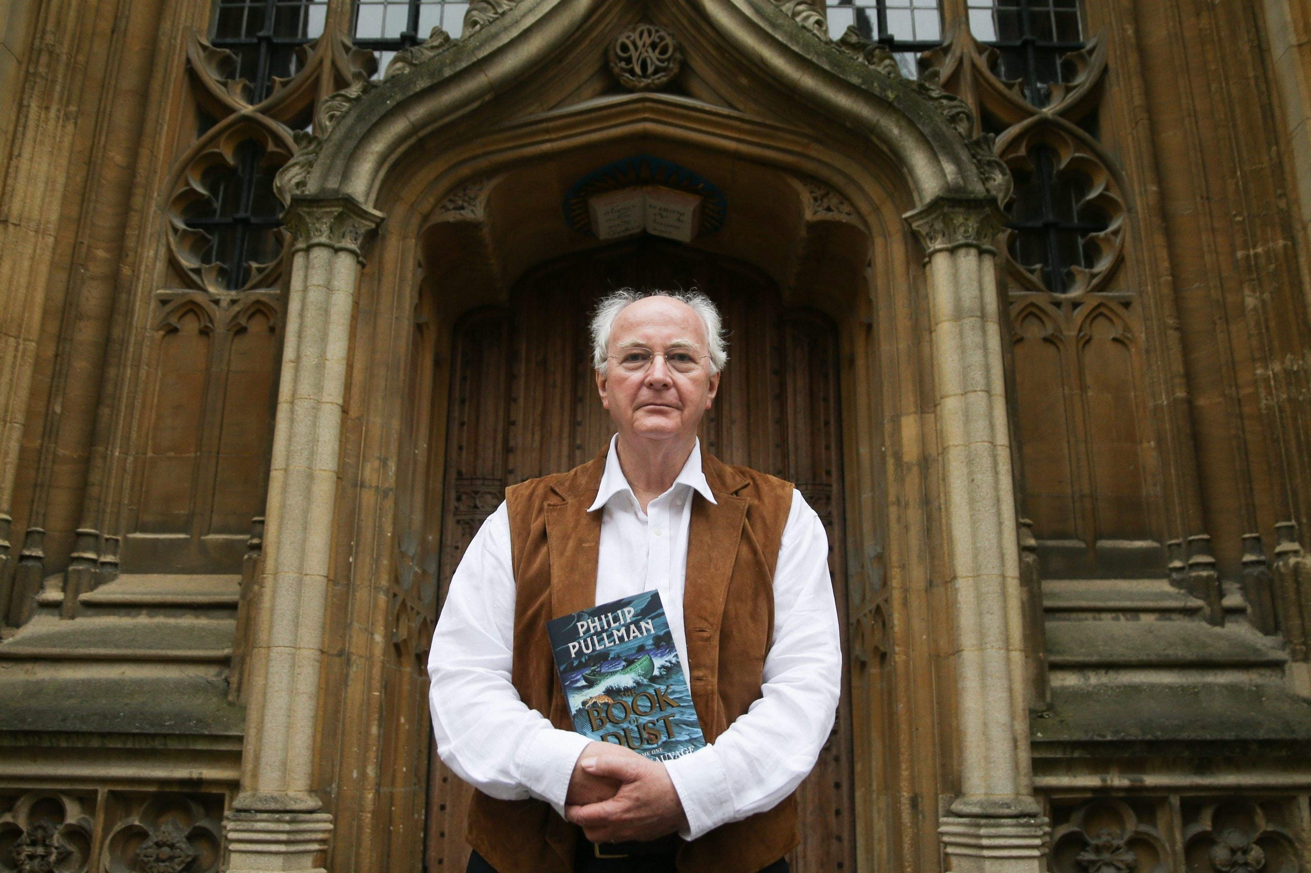 The Secret Commonwealth displays Philip Pullman's miraculous gifts for storytelling