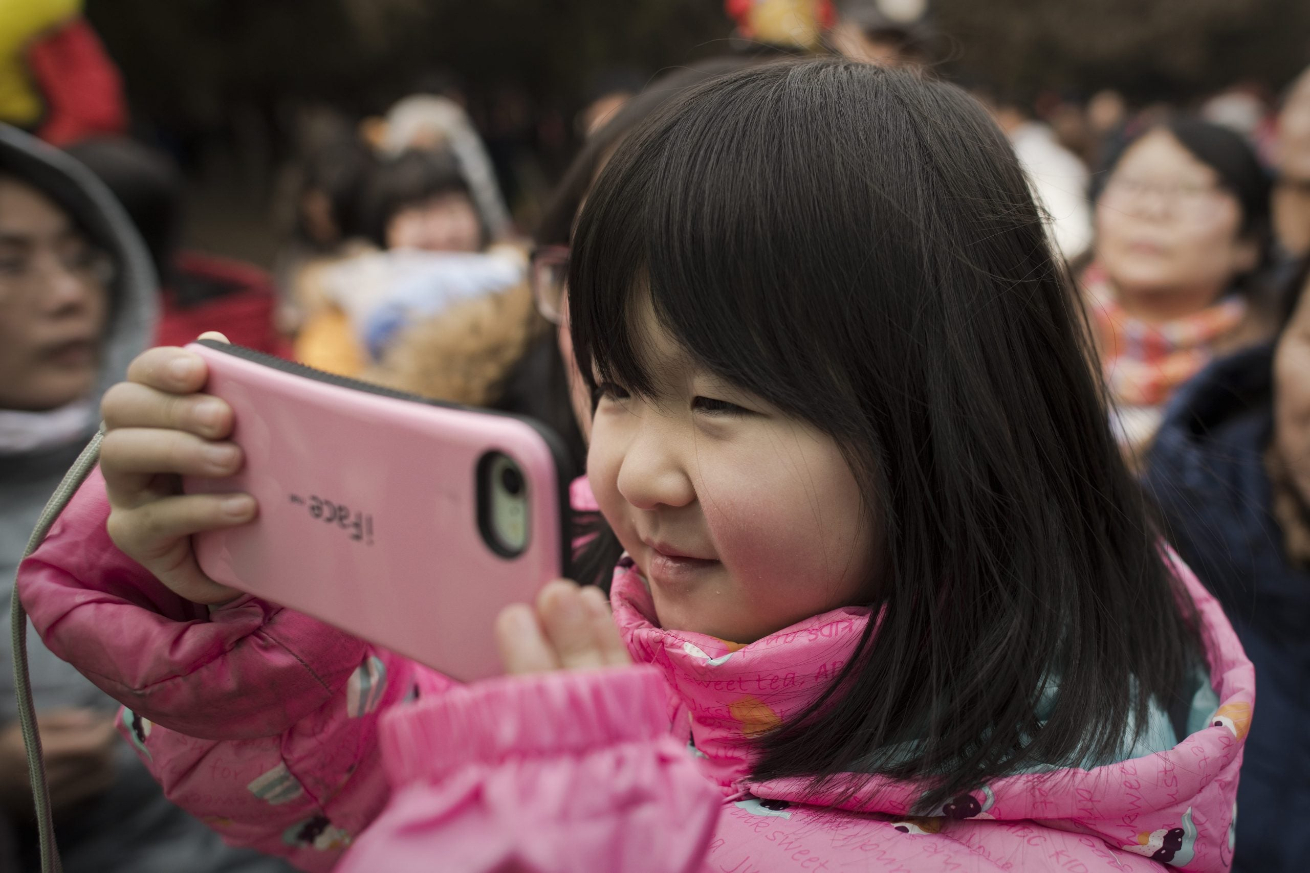 Stop scaremongering about kids spending time on their phones