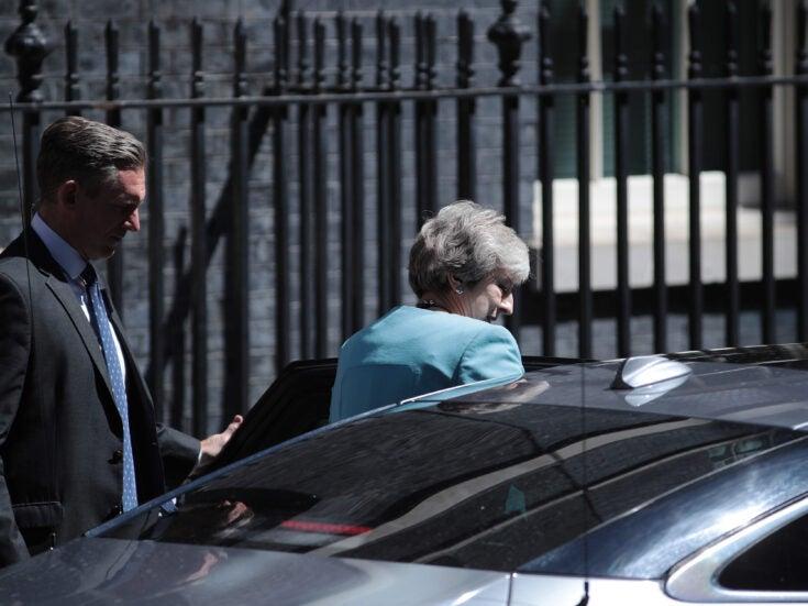 How do you remove a prime minister?