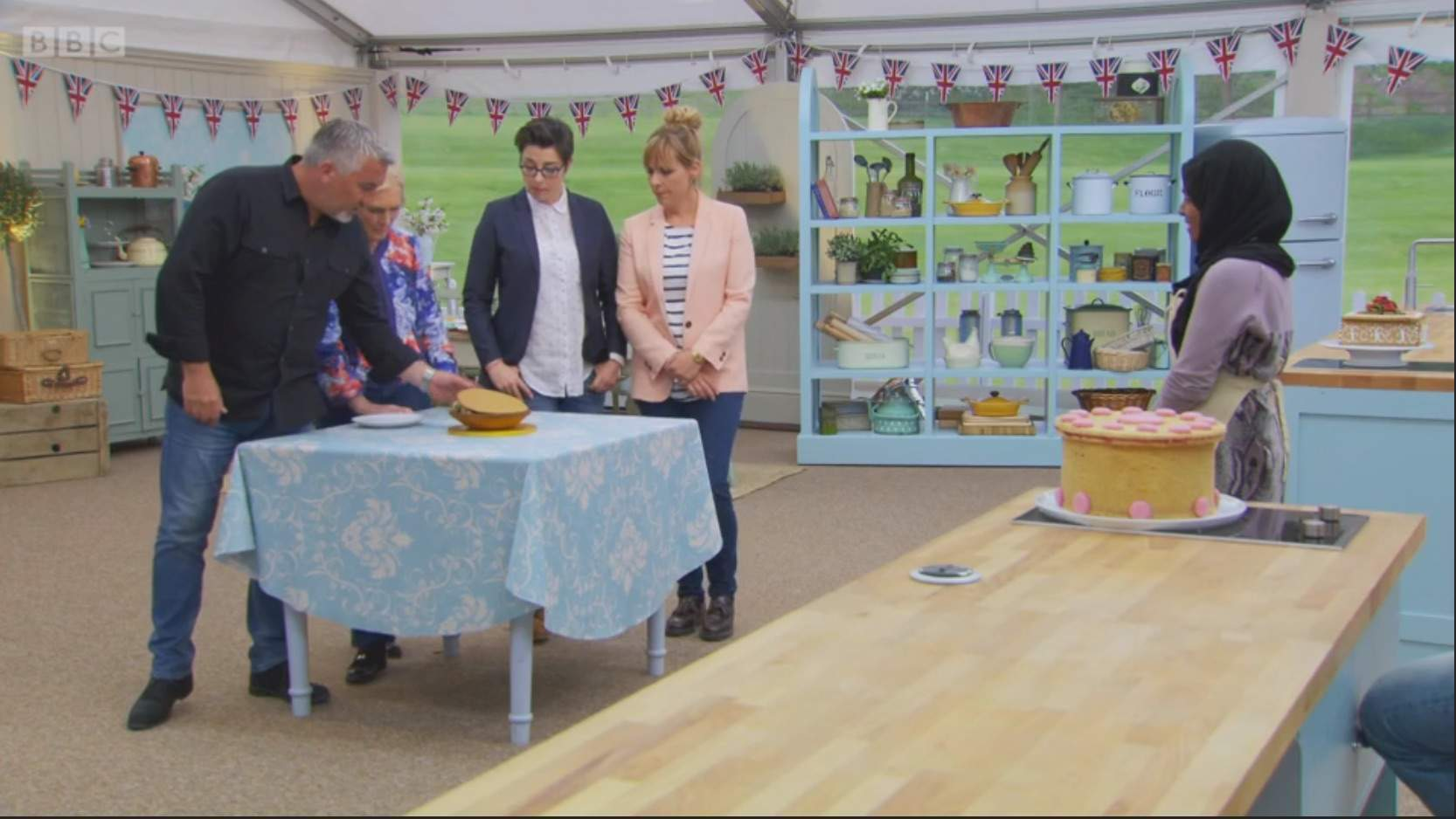 The Great British Bake Off: What Nadiya's cracked bowl can teach us about resilience and hard work
