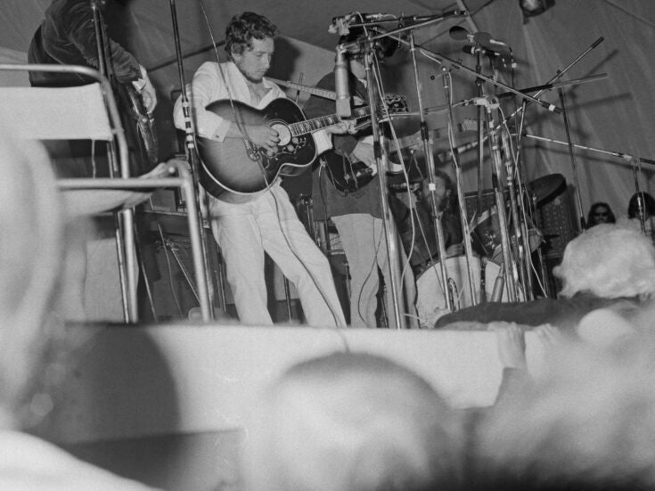 A fold in time: the ecstatic melancholy of seeing Bob Dylan bring the 1960s to a close