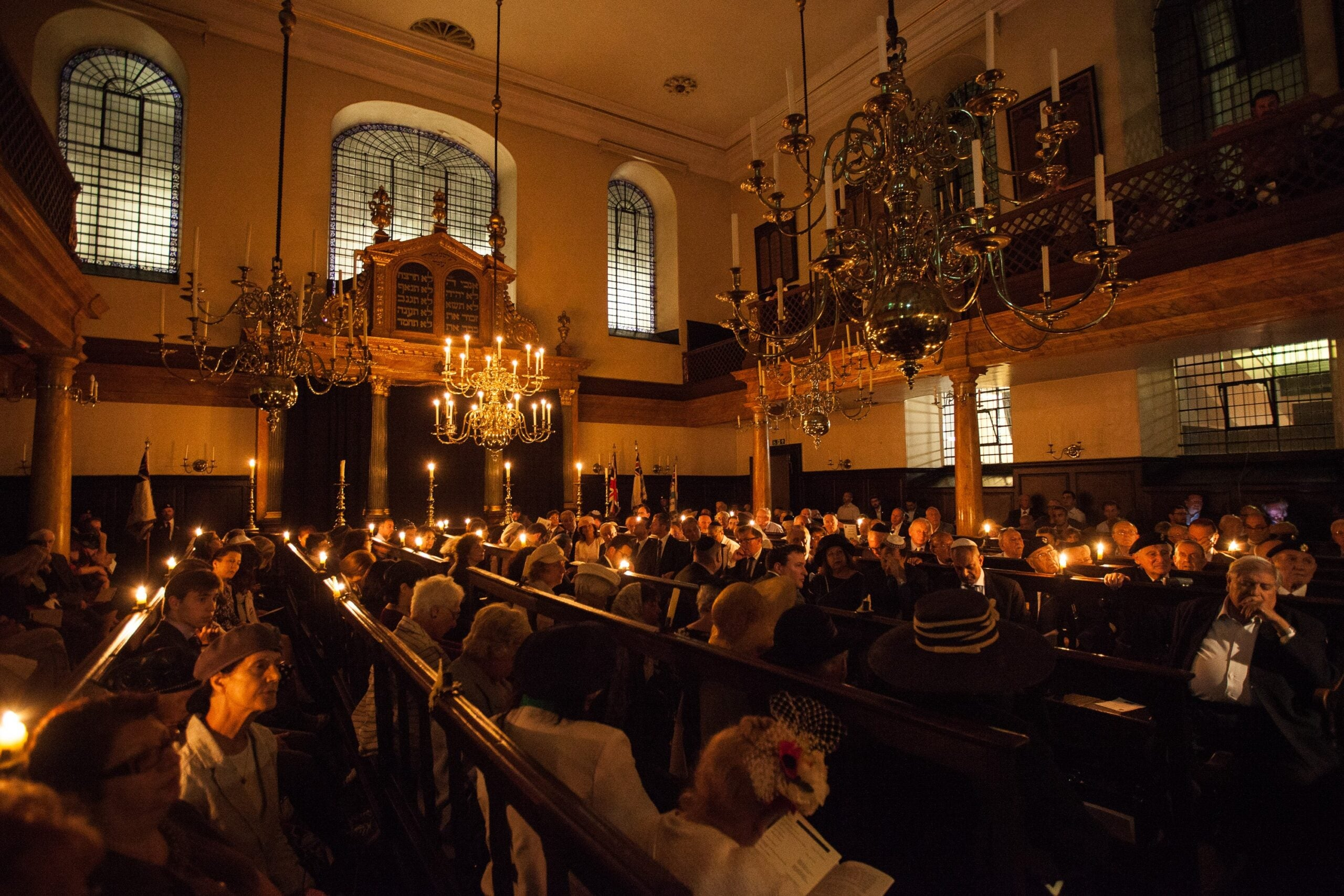 Worshippers fear new high-rise towers could shroud Britain's oldest synagogue in darkness